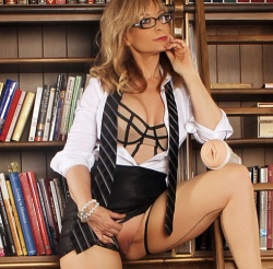 Fleshlight Girls - Nina Hartley Lotus - Fleshlight-8-8035-13