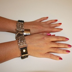 Leather chained wristbands - os-0287