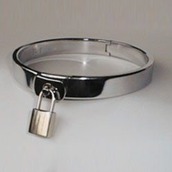 Necklace, polished stainless steel closed by padlock by Masters in Steel - MiS-HBL16