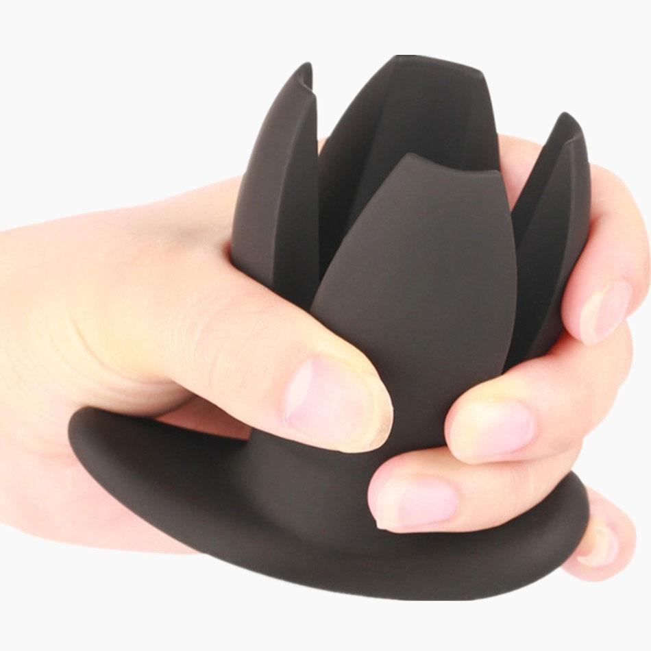 88f5dbbb650 MAE-Toys Black Silicone Anal Expander Plug