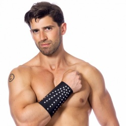 Arm-gauntlet with studs - ri-7518